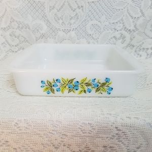 "Vintage Blueberry Pattern Glasbake 8"" square pan"